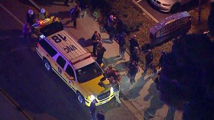 La policía registró los vehículos de la zona, buscando posibles cómplices o explosivos