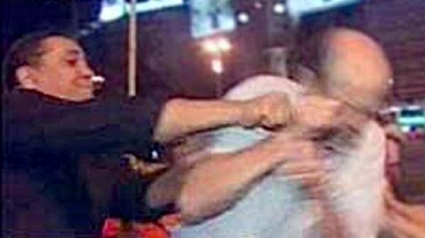 D'Elía agredió a un manifestante en medio de una marcha contra las retenciones móviles
