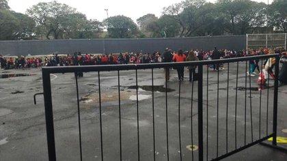 """""""Hubo que evacuar por cuestión de seguridad"""", informaron desde el club (@GustavoYarroch)"""