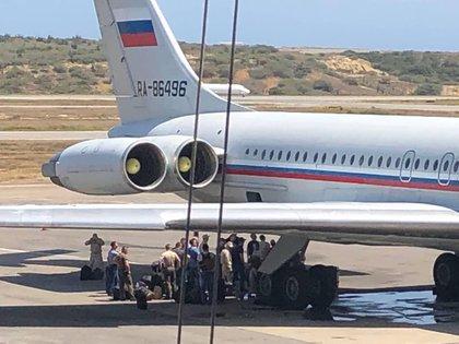 La oposición venezolana sostiene que hay intereses comerciales de Rusia en Venezuela.