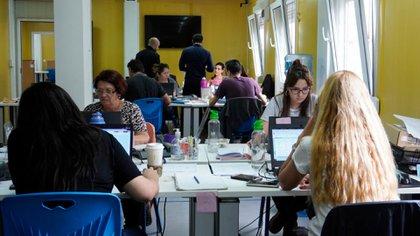 Los expertos trabajan las 24 horas en el Centro Operativo de Emergencia (COE) del Ministerio de Salud
