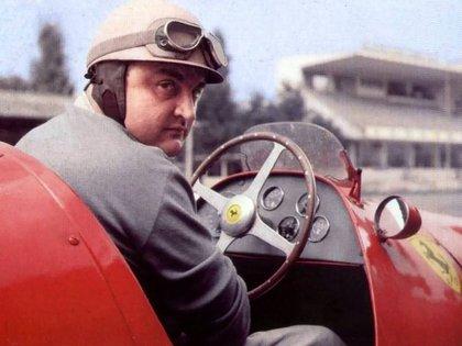 José Froilán González con su Ferrari. Crédito: F1 Retro.