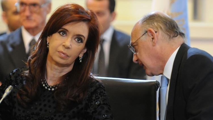 La expresidenta Cristina Kirchner y su canciller, Héctor Timerman.