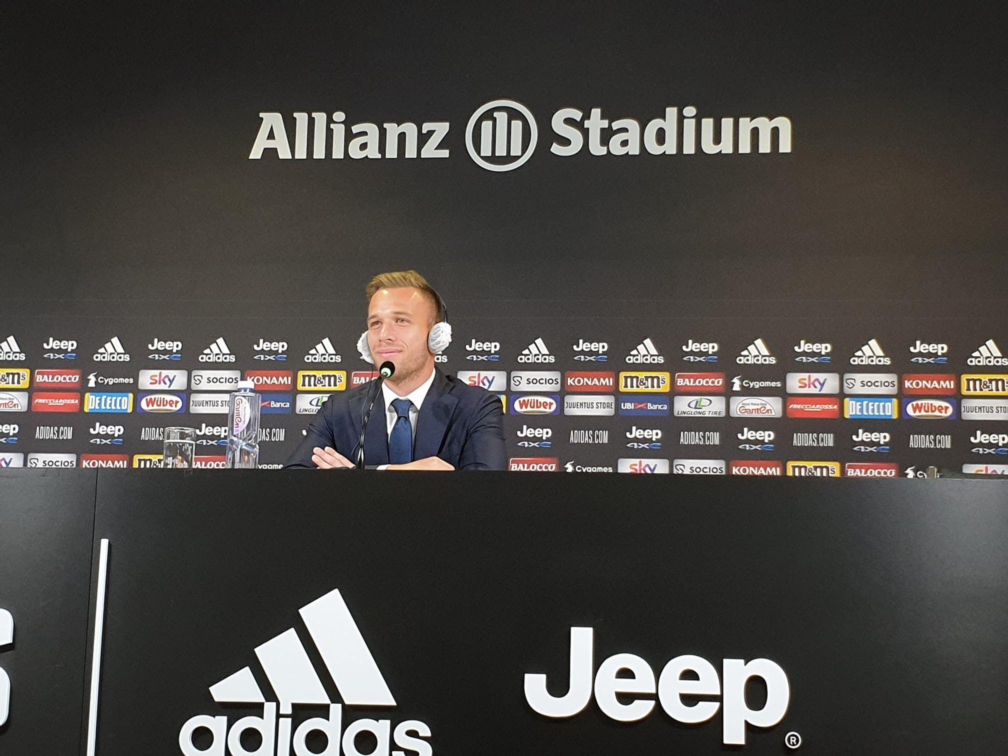Arthur se marchó a la Juventus en un trueque por Pjanic (Foto: Reuters)