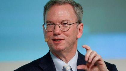 Eric Schmidt, ex CEO de Google. Dice estar seguro que Huawei desvía datos al régimen chino (Reuters)