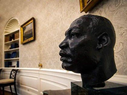También destaca un busto de Matin Luther King, histórico activista en la lucha por los derechos civiles de los afroestadounidenses (Foto: Twitter/arielmou)