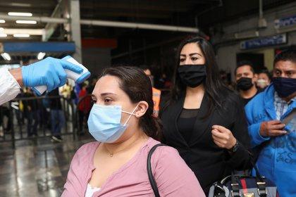 Este elemento ha sido común desde que inició la emergencia sanitaria por coronavirus. (Foto: Henry Romero/Reuters)