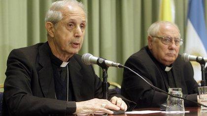 Arzobispo de Buenos Aires y Primado de la Argentina, cardenal Mario Poli; el vice segundo y el secretario general del Episcopado, monseñor Carlos Malfa.