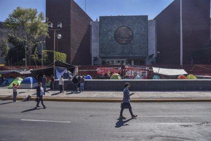 La Cámara de Diputados aprobó que trabajadores mayores de 60 años, embarazadas y aquellos con enfermedades crónicas, entre otros, se ausenten del recinto (Foto: Mario Jasso/ Cuartoscuro)