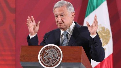 El presidente de México, Andrés Manuel López Obrador, habla durante su conferencia matutina en el Palacio Nacional de Ciudad de México (México). EFE/José Pazos/Archivo
