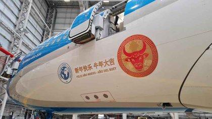 Un avión de Aerolíneas Argentinas partió a las 13 rumbo a Beijing para traer al país un millón de vacunas de Sinopharm