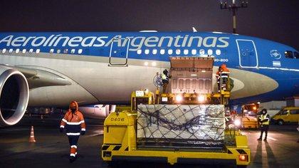 Llegó al país un nuevo vuelo de Aerolíneas Argentinas con otras 500 mil vacunas Sputnik V