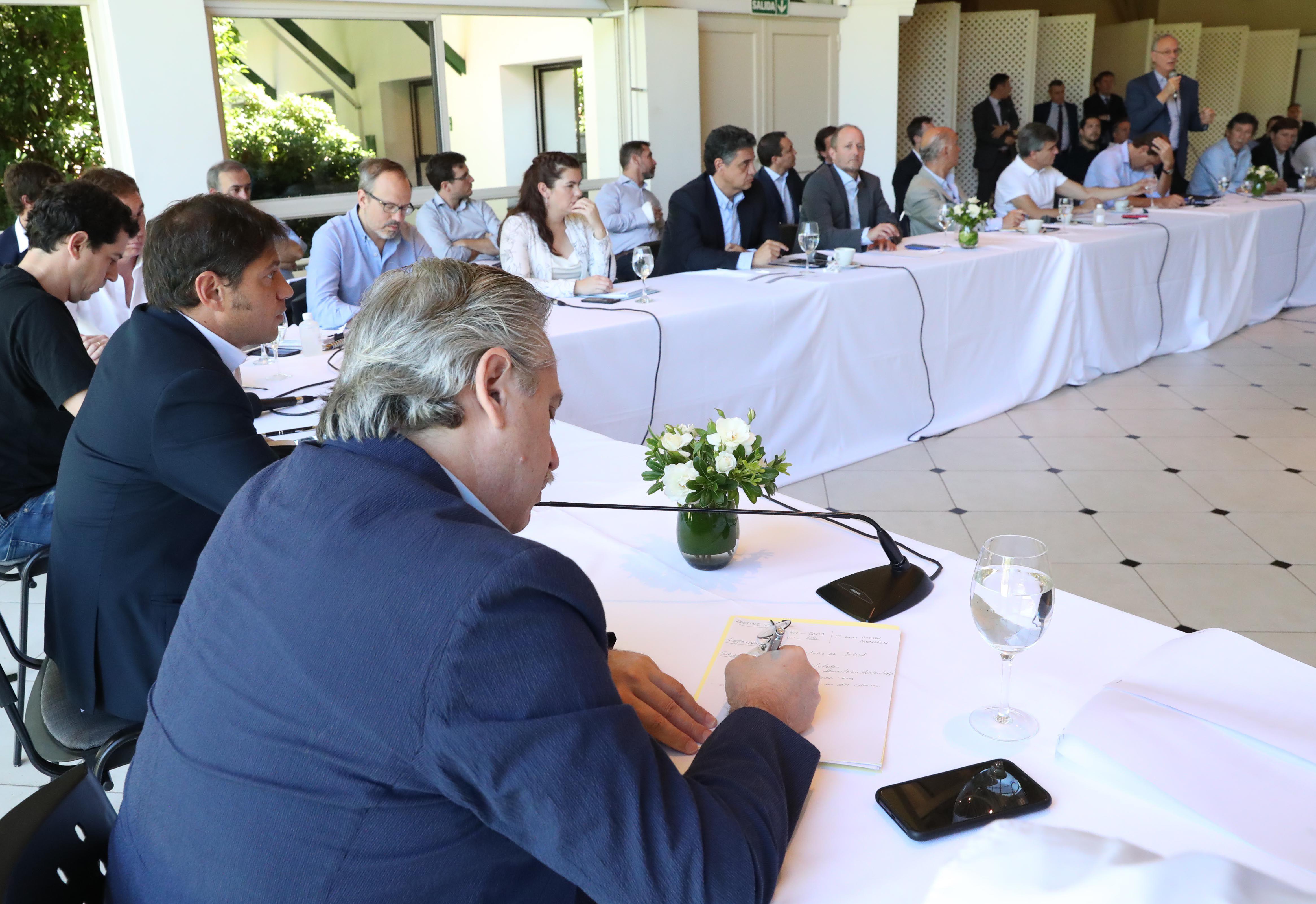 Alberto Fernández durante su encuentro con los intendentes del conurbano en la quinta de Olivos