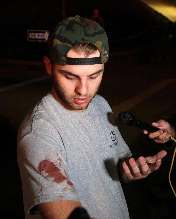 Un sobreviviente del tiroteo dio detalles sobre el comportamiento del asesino (EFE)