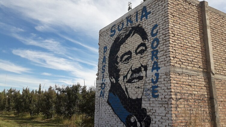 Todavía hay murales de las elecciones que ganó en 2011 el peronista Carlos Soria