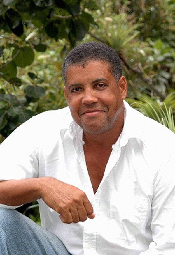 El arqueólogo Reg Murphy, de Antigua, realiza la primera investigación con tecnología que permite inferir la dieta y la cultura de los kalina.