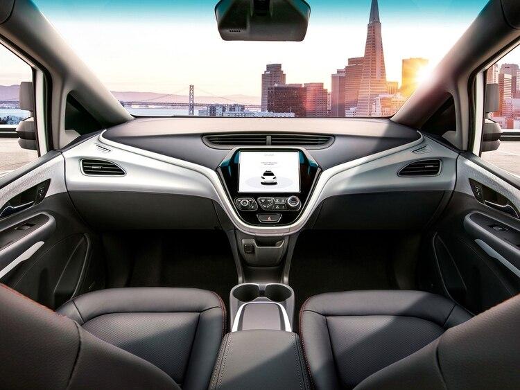 El Cruise AV, un Chevrolet Bolt modificado sin volante ni pedales, con el que experimentaron la conducción autónoma. (Cruise)