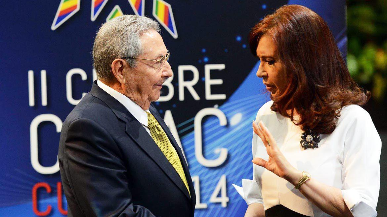 Cristina Kirchner fue una de las artífices de la invitación a Raúl Castro para la asunción de Fernández (Télam)