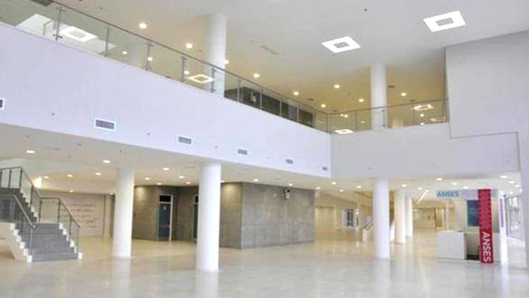 El hospital René Favaloro tiene 3 pisos. Ahora, será destinado para la atención de pacientes con coronavirus