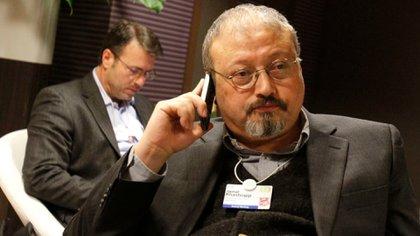 El periodista saudita Jamal Khashoggi en Davos, Suiza, en 2011 (Virginia Mayo / AP)