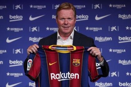 Ronald Koeman intentará seducir a Messi y motivarlo para que se quede en el Barcelona (REUTERS/Albert Gea)