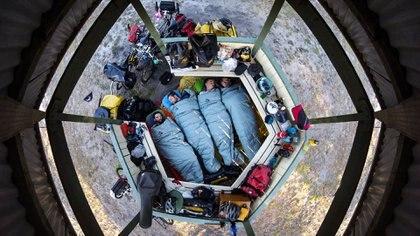Duermen donde pueden, lo que importa es la aventura