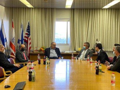 Reunión entre el embajador Urribarri y las autoridades sanitarias de Israel