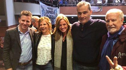 Federico Martelli, Florencia Saintout, Victoria Tolosa Paz, Guillermo Escudero y Omar Plaini