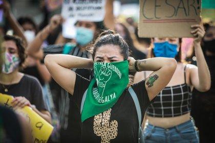 El Gobierno mexicano registró el año pasado 34,608 homicidios dolosos y 1,012 feminicidios (Foto: EFE/David Guzmán)