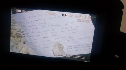 """""""1 de diciembre 2018, año conmemorativo del nacimiento de Pablo Escobar Gaviria. Un día antes de conmemorar sus 25 años de no estar ya en nuestras vidas, es un orgullo para Medellín haberte tenido aquí y haber ayudado a muchas personas. Eres mi ídolo. Siempre te recordaremos y te acompañaré toda mi existir. Emanuel Lara Rodríguez, Gloria Patricia Gutiérrez, César Esquivel Ocampo""""."""