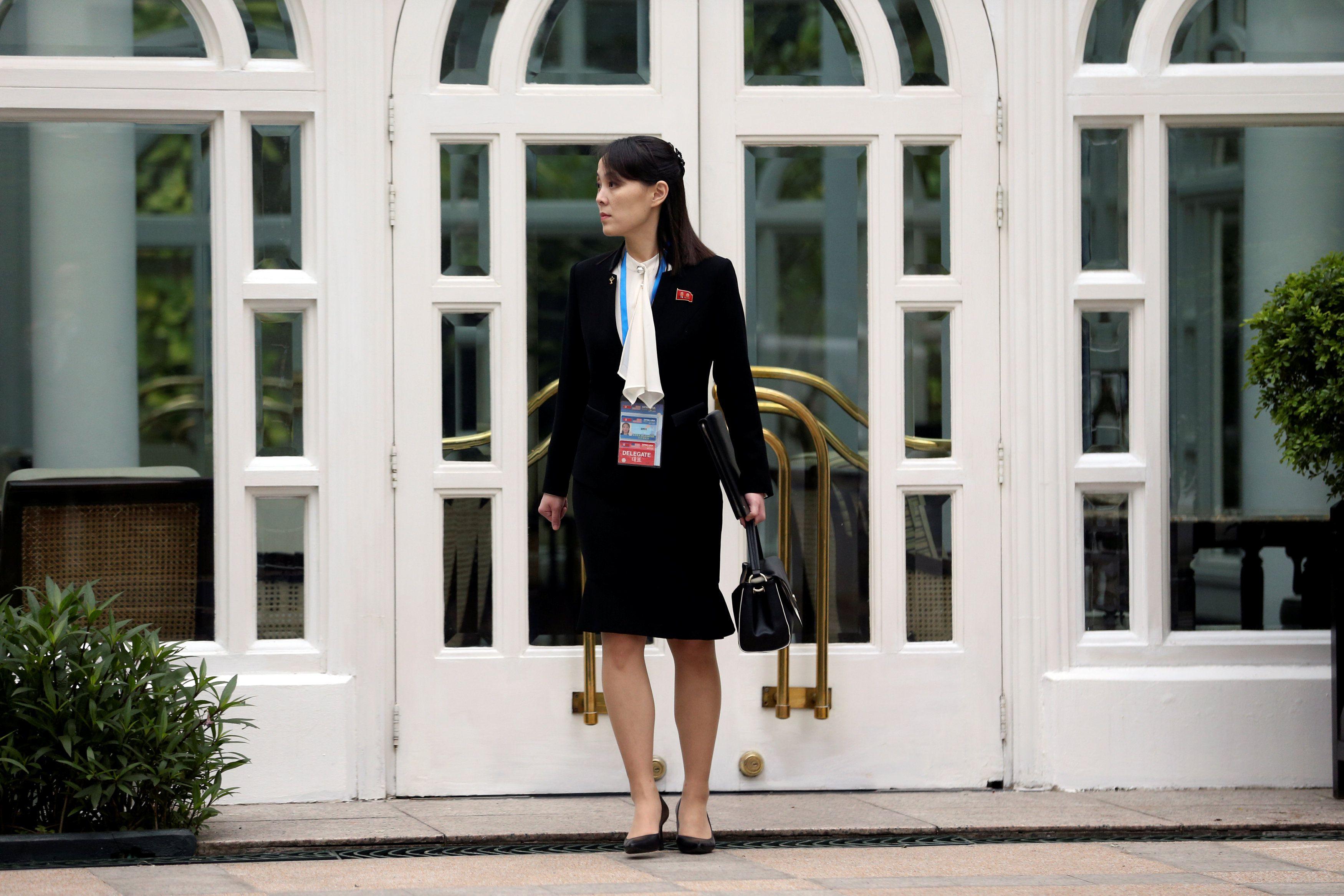"""Kim Yo jong, hermana del dictador de Corea del Norte, Kim Jong un, quien se encuentra en grave estado, durante la cumbre en Hanoi entre Donald Trump y el """"líder supremo"""" (Reuters)"""
