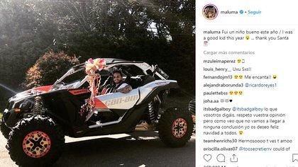 El cantante presumió el auto que le trajo Santa Claus (Foto: Instagram)