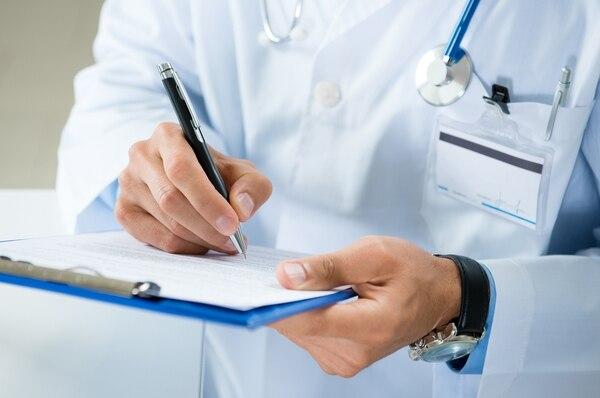 Se debe acudir a un médico de manera inmediata ya que de ese modo hay más probabilidades de salvar la vida del paciente involucrado (Getty Images)