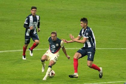 Dentro de la Liga MX se ha desatado un escándalo por un brote de COVID-19 en uno de los clubes (Foto: Miguel Sierra/ EFE)