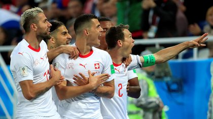 Los festejos fueron en el triunfo de Suiza 2-1 ante Serbia (Reuters)