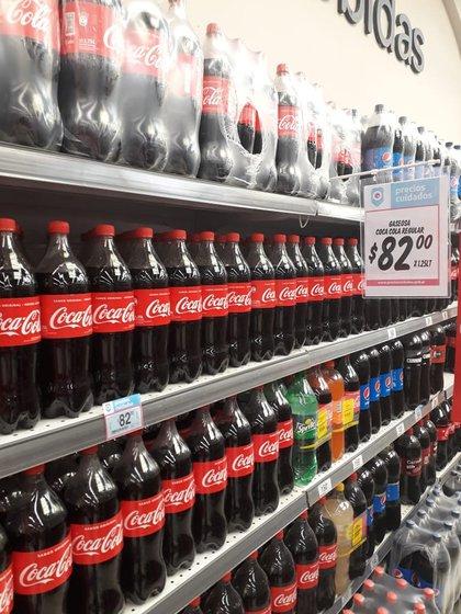 Las marcas líderes, como Coca Cola, serían las más afectadas por la Ley de Góndolas