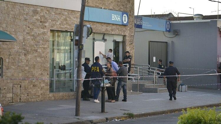 Asalto al Banco Nación en Isidro Casanova (Gustavo Gavotti)