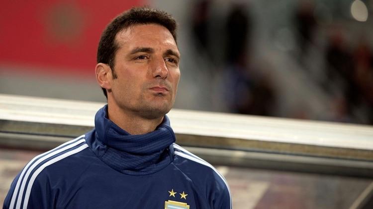Lionel Scaloni apostaría por Paulo Dybala y dejaría afuera a Mauro Icardi (EFE)