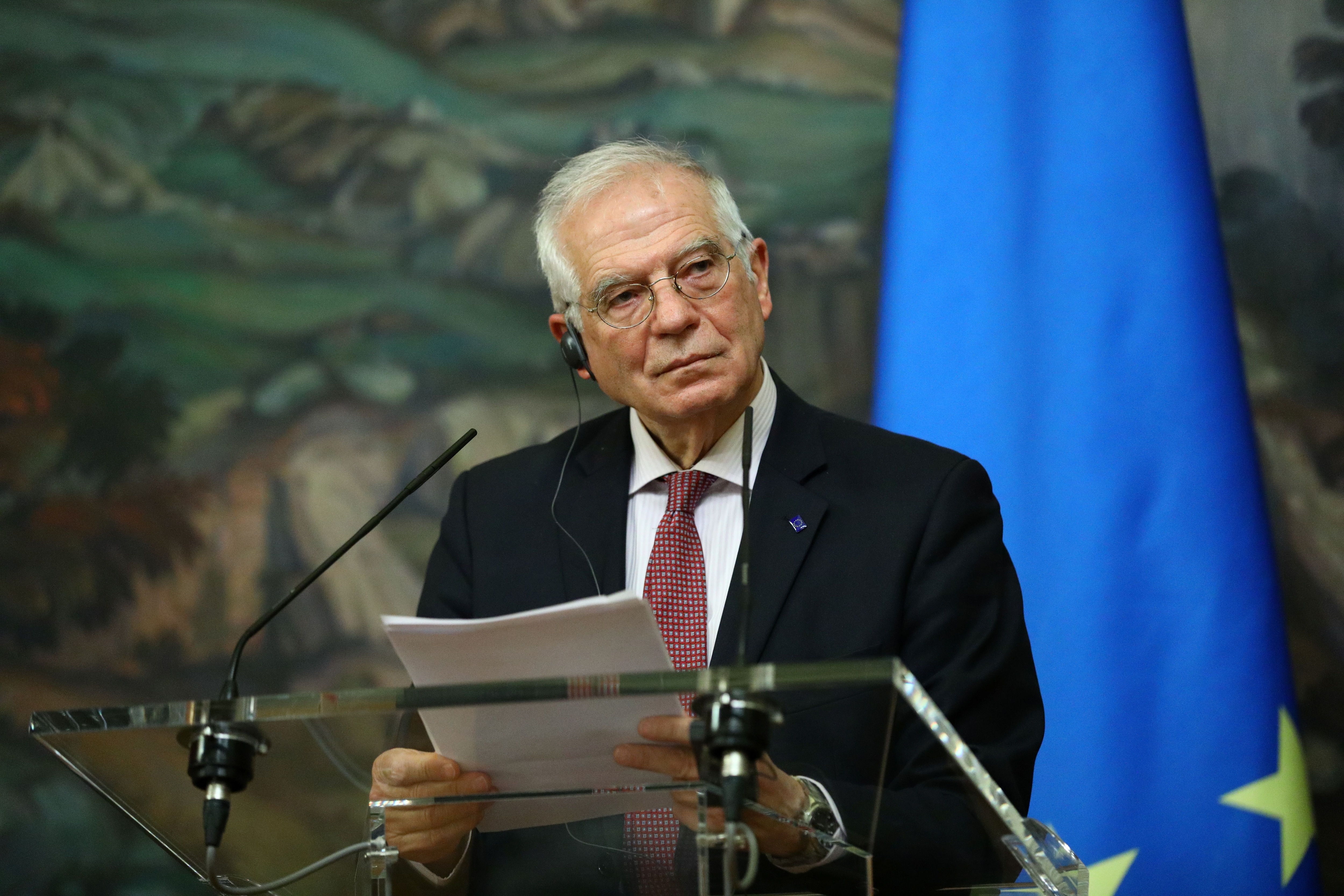 El jefe de la diplomacia europea, Josep Borrell, en una conferencia de prensa tras su gira en Moscú. Russian Foreign Ministry/Handout via REUTERS