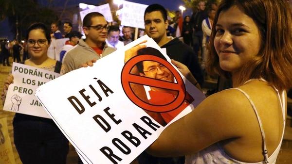 Ibañez admitió su culpa ante un juez y ofreció un resarcimiento para limpiar su prontuario y seguir como legislador (EFE)