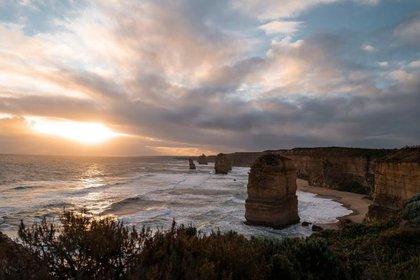 Twelve Apostles Great Ocean Road Victoria (Tourism Australia)