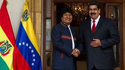 Evo Morales junto al dictador Nicolás Maduro. (EFE)