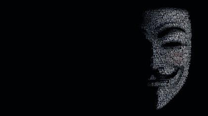 Desde la Deep Web, el colectivo hacktivista Anonymous desbarató a una banda dedicada a la pornografía infantil en la Dark Web y publicó los nombres de usuario de los 1589 miembros de Lolita City, sitio que contaba con 100 gigabytes de pornografía infantil