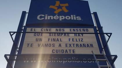 Así fue el mensaje de despedida de Cinépolis. (Foto: Twitter)