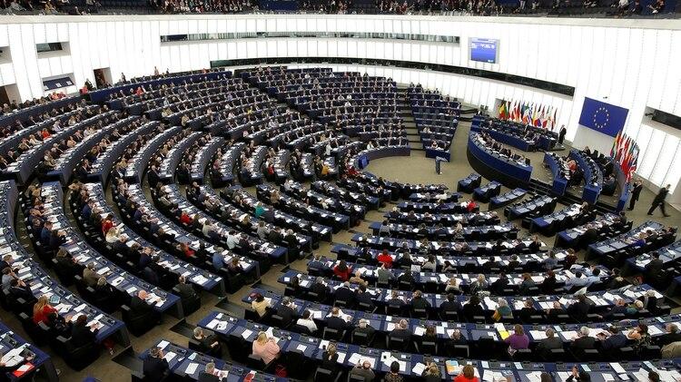 Miembros del parlamento europeo durante una votación (REUTERS/Vincent Kessler)