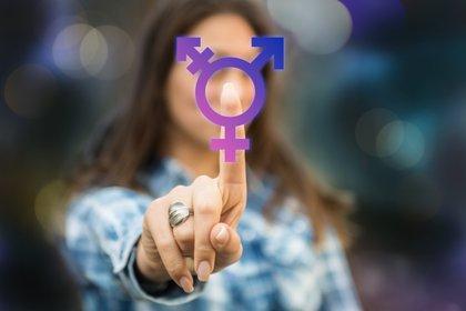 La nueva norma establece la cobertura total del tratamiento hormonal para aquellas personas que deseen someterse a una reafirmación de género (Shutterstock)