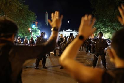 Protesta en Washington, con la Casa Blanca de fondo (Reuters)