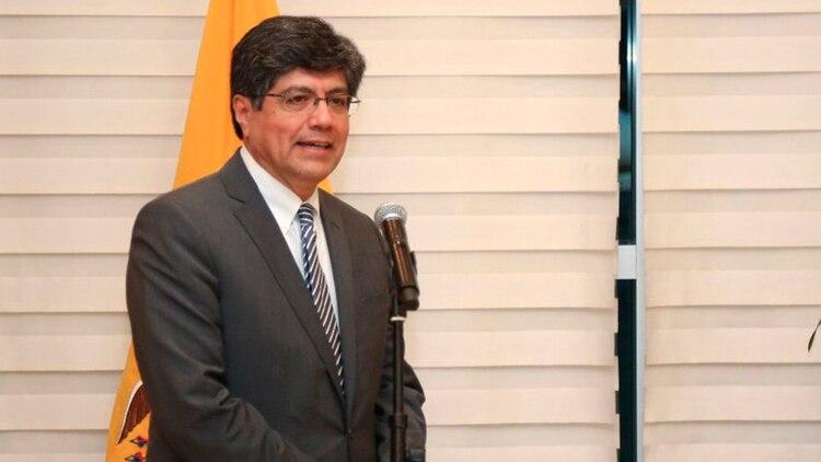 José Valencia canciller ecuatoriano