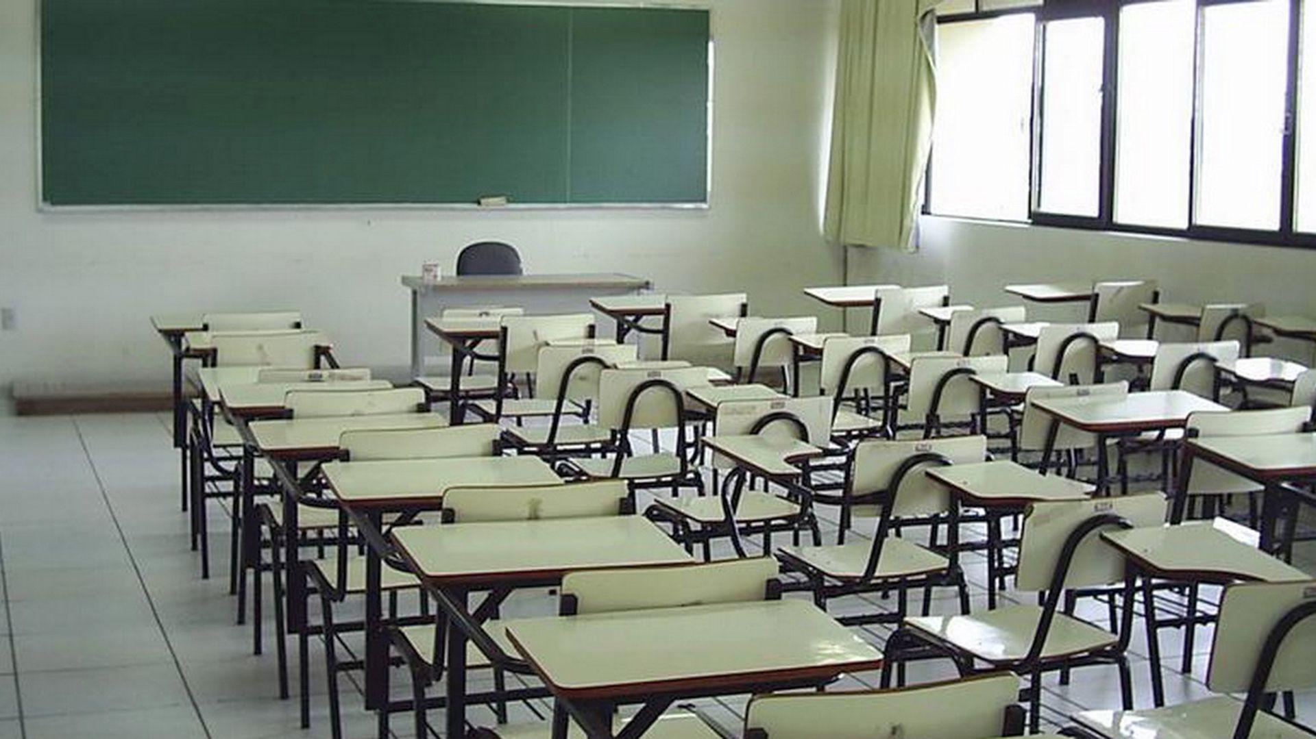 El aula vacía en un colegio argentino