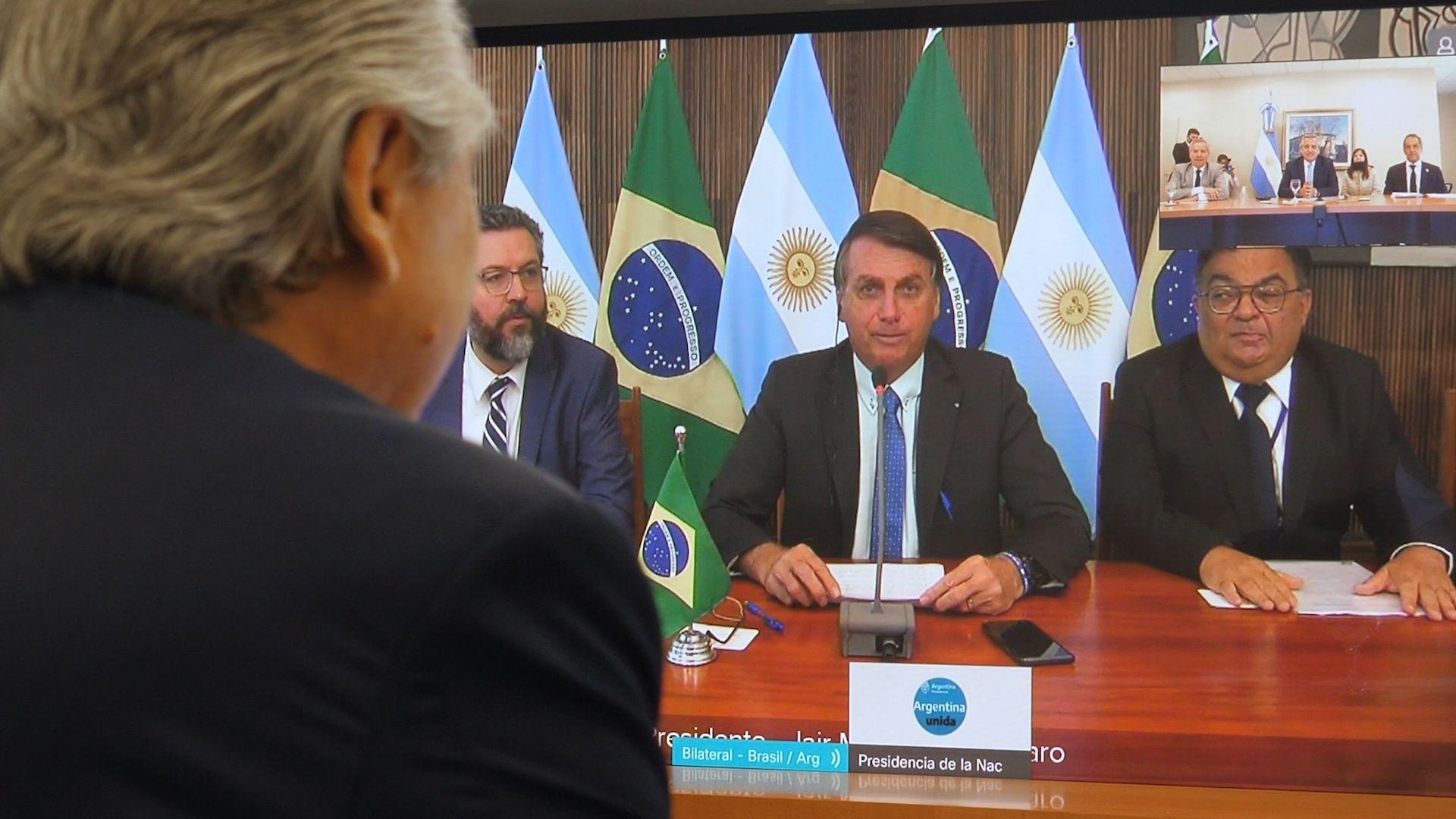 Alberto Fernández y Jair Bolsonaro dialogaron por videoconferencia